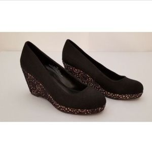 Maurice Size 8 Shoes Black w/Tan Black Pattern